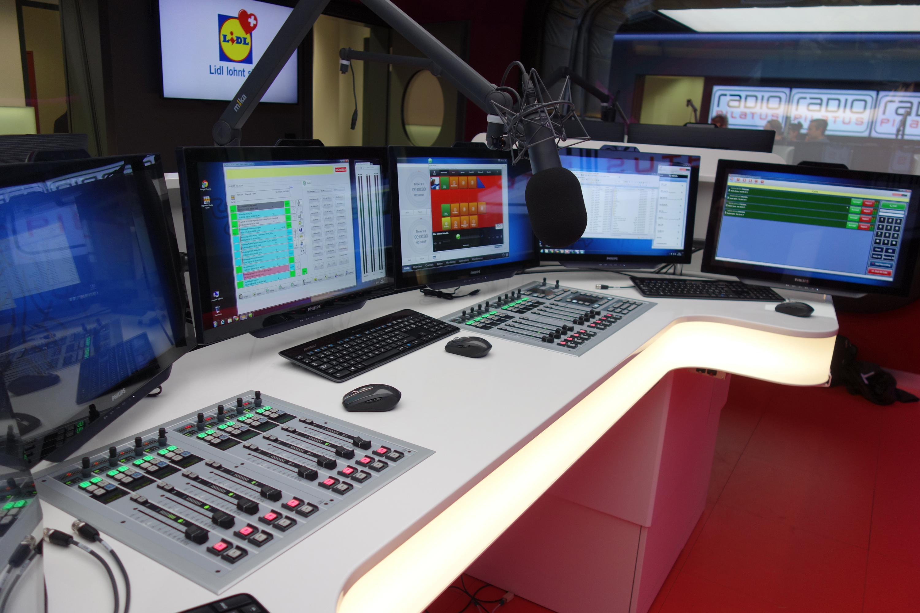 2015 11 Radio-Pilatus Stagetec OnAir flex 3