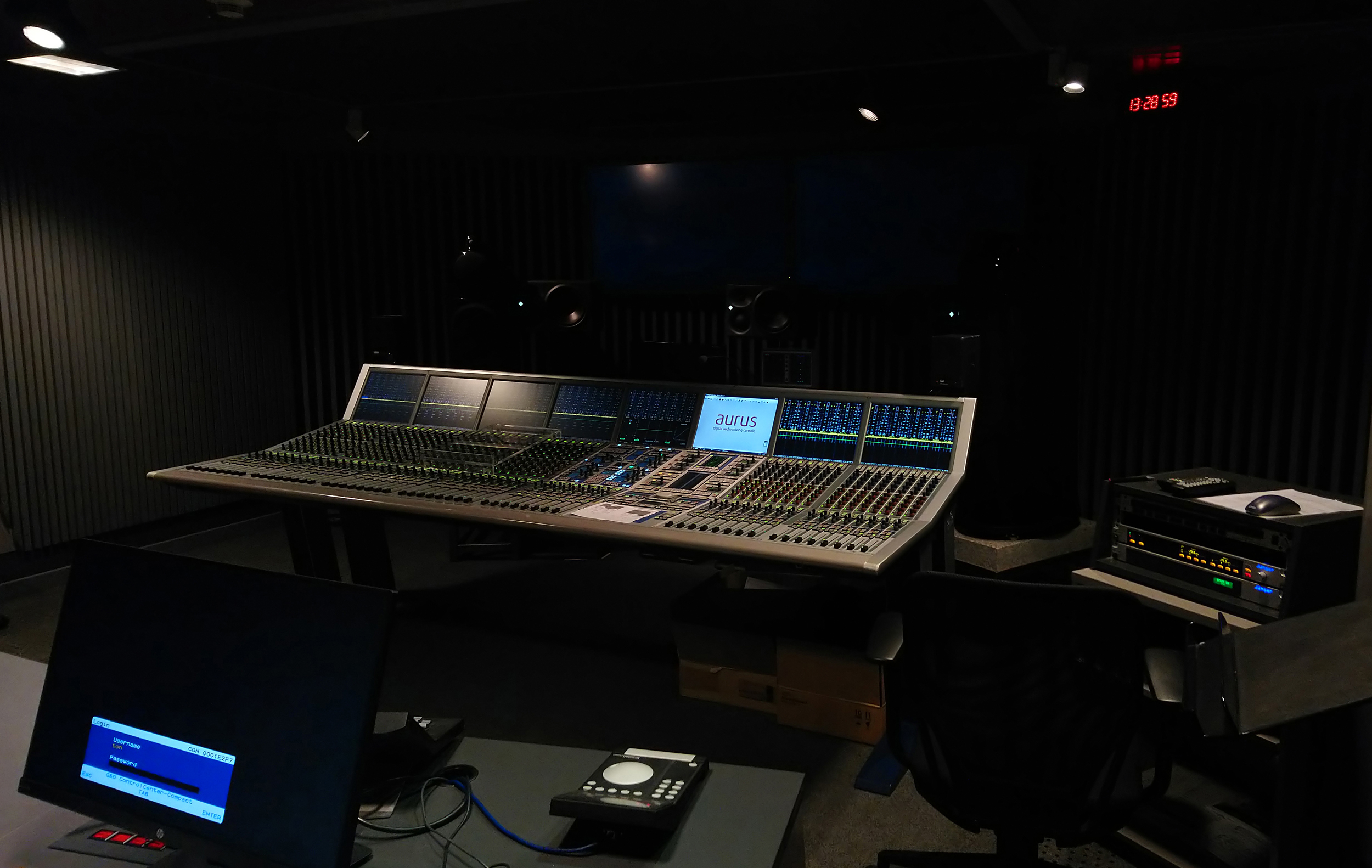 2018 10 StageTec Philharmonie Studio3