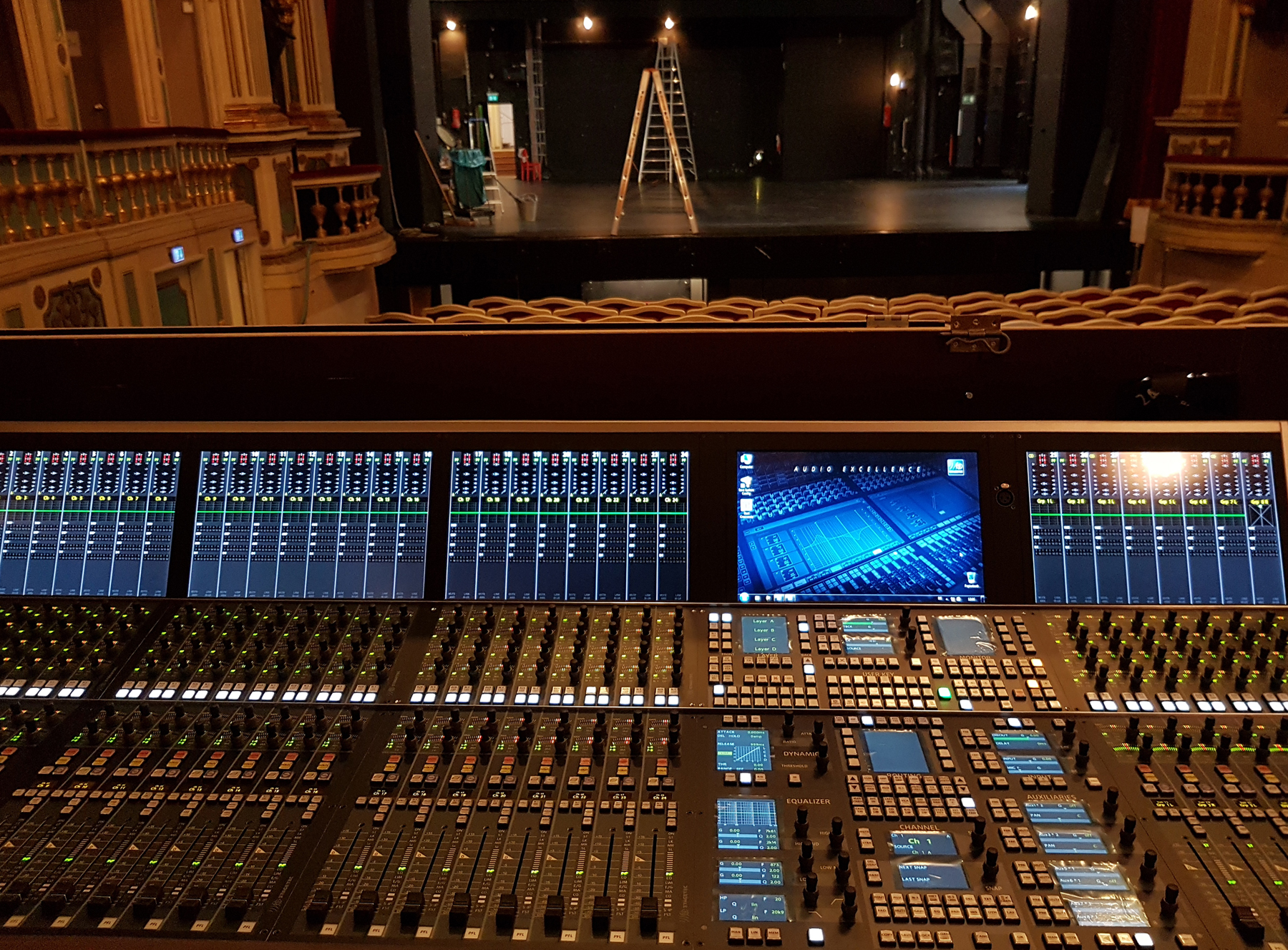 2019 12 StageTec Theater Erlangen Crescendo stage