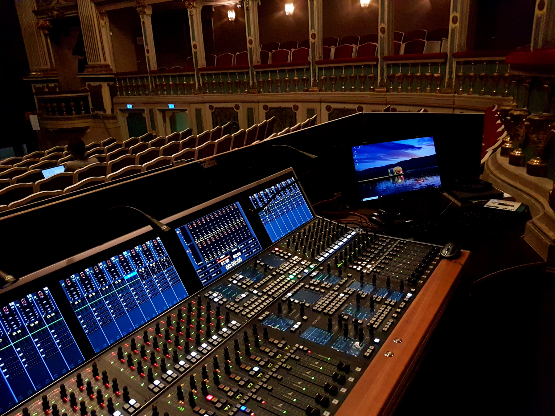 2019 12 StageTec Theater Erlangen auditorium Crescendo